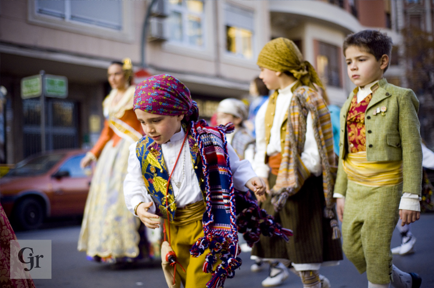 Valencia Fallas tradition costumes